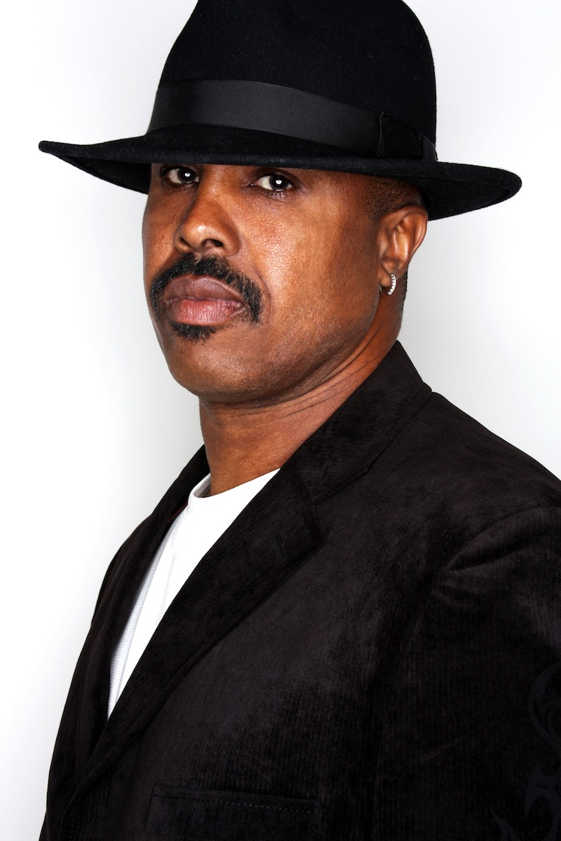 Damon Dae is often a guest vocalist with the Elegant Strangers a local Venice Beach band.